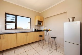 self catering accommodation bluewater bay king guest lodge room2 4