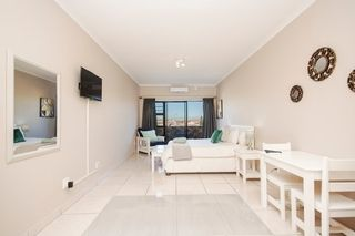 self catering accommodation bluewater bay king guest lodge room3 1