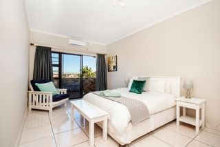 self catering accommodation bluewater bay king guest lodge room3 3