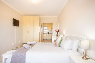self catering accommodation bluewater bay king guest lodge room4 2