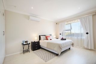 apartment styled accommodation self catering bluewater bay king guest lodge bedroom 1